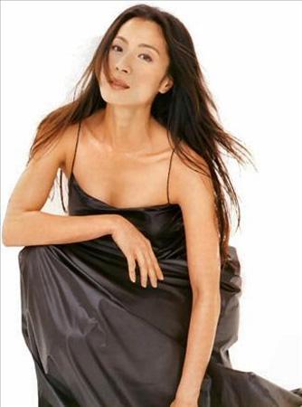 Michelle Yeoh Güzellik ve gücü buluşturan Yeoh, yönetmen Ang Lee'nin favori oyuncusu.