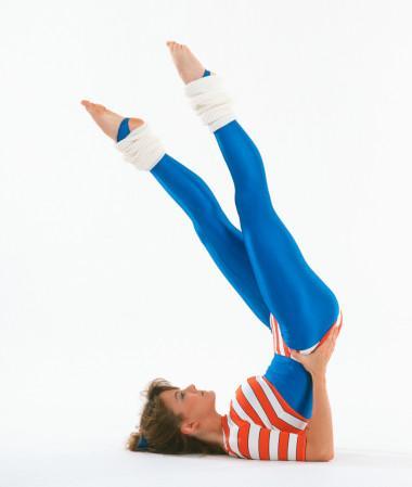 """""""Her tür hareket ve sporun zayıflatması""""  Vücudun egzersiz ve sporla kilo vermesi için yağ yakma formuna geçmesi gerekli, bu da ancak haftada 5 gün düzenli egzersiz ile başlar. Çoğu zaman iki saat sürekli mekik hareketi yerine uygun nabızla 45-60 dakikalık bir yürüyüş istenilen sonuçlara ulaşmakta daha faydalı olur."""