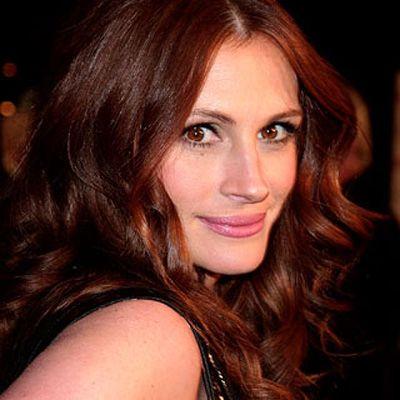 Julia Roberts:  ''Pretty Woman'' filmiyle şöhrete kavuşan Roberts, kızıl saçları ve kocaman gülüşüyle yarattığı sempatiye bir de Oscar ekledi.