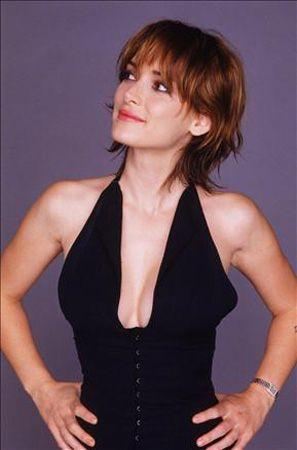 Winona Ryder:  Klasik güzellik anlayışının dışına taşan güzellerden Ryder, kısa saçları ve buğulu bakışlarıyla tanınıyor.