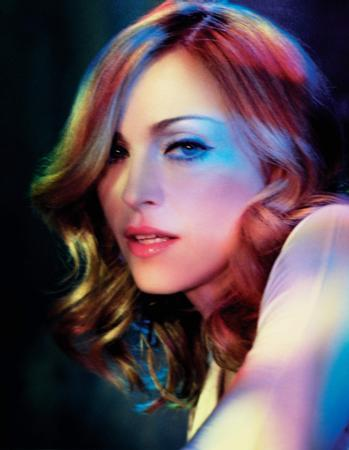 6-Madonna  Ünlünün diğer resimleri için tıklayın...