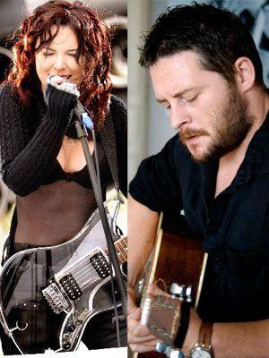 Gazeteci-yazar Tuna Kiremitçli ile şarkıcı Şebnem Ferah arasındaki aşkı, bir köşe yazısının başlattığı ortaya çıktı.