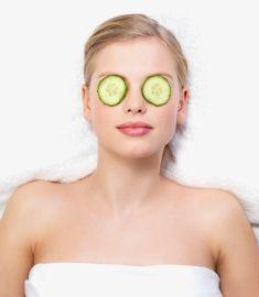 Doğal yöntemlere başvurun  Göz çevrenizi canlandırmak için salatalık dilimlerini 15 dakika gözünüzde bekletebilirsiniz. Ayrıca ayda 1-2 kez badem yağı içeren doğal kremlerden yararlanabilirsiniz.