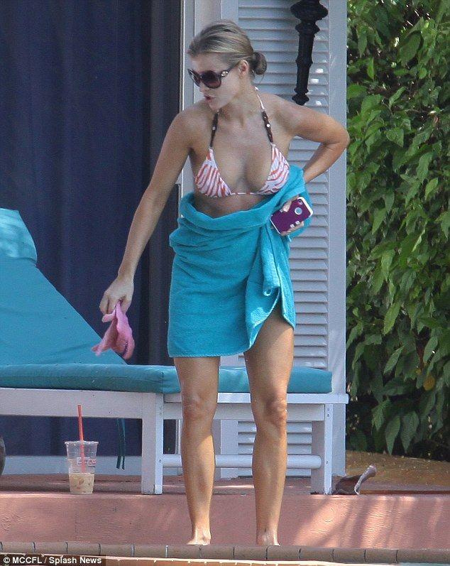 Joanna Krupa - 32