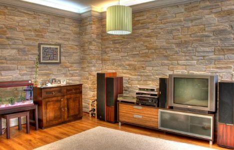 Duvarlarda taş modası...  Uygulanması kolay olan bu duvarlar mekanınızı boşaltmanıza gerek kalmadan ve temiz bir şekilde oluşturulabiliyor.