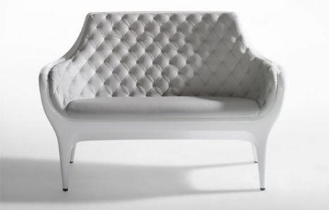 Bu marjinal tasarımlar insanı şaşırtıyor!    Jamie Hayon imzalı şık beyaz koltuk...