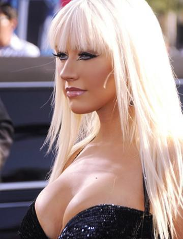 35 Christina Aguilera