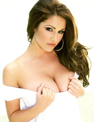 23 Lucy Pinder