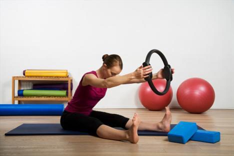 Paten + pilates: Son yılların gözdesi pilates; leğen kemiği, sırt ve karın kaslarını güçlendiriyor. Bu da hem düzgün durmamız, hem de kayabilmemiz için önemli bir kriter.