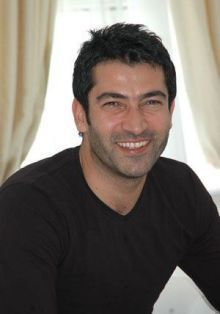 Kenan İmirzalıoğlu: Parlak ve çok kaliteli saçları var.