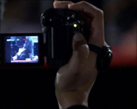 """""""Aşk-ı Memnu""""nun bu akşam ekrana gelecek bölümünde, tutkunun ve heyecanın dozu artıyor."""