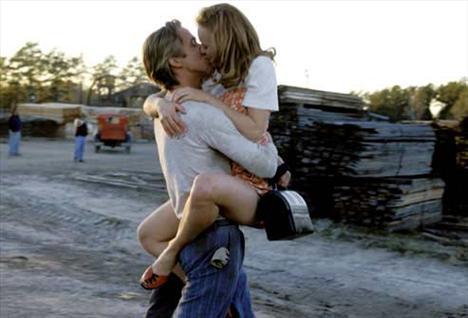 'The Notebook' adlı filmde Ryan Gosling ve Rachel McAdams'ın unutulmaz sahnesi...