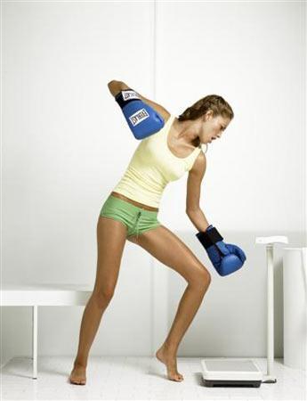 Aşağıdakilerden hangisi yanlış?  Spor kilo verdirmez.  Eğer spor yapmayı bırakırsanız, verdiğiniz kilolar geri gelir.  Diyet ve sporu aynı anda yapmak vücuda zararlıdır.
