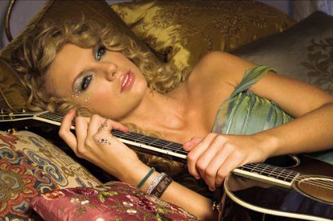 Taylor Swift 2009'un en gözde kadını - 14