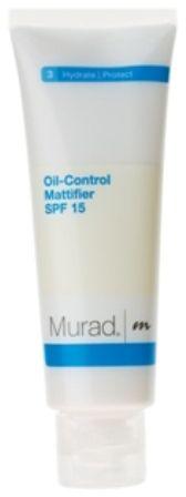 Cildiniz…  Yılbaşı gecesi yapacağınız makyajın güzelliği kadar kalıcılığı da önem   taşıyor. Öncelikle bunun için seçeceğiniz makyaj malzemeleri çok önemli… Ancak asıl önemli olan makyajın dağılmasını engellemek için altına uyguladığınız ürünler... Murad'ın en yeni nemlendiricisi Oil-Control Mattifier SPF 15 klinik olarak kanıtlanmış etkisi ile cildin yağ salgılanmasını 8 saat boyunca kontrol altında tutarak cildin yağlanmasını ve parlamasını engelliyor. Makyaj altı baz olarak uygulandığında makyajınızın akmasını ve dağılmasını önlüyor.  Murad Oil Control Mattifier SPF 15: 129 TL