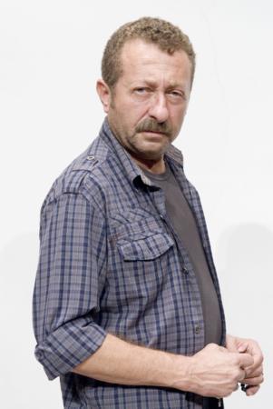 ERKAN CAN  Televizyon ve sinema dünyasının vazgeçilmez ismi Erkan Can, bıyıklarıyla bütünleşen bir oyuncu.