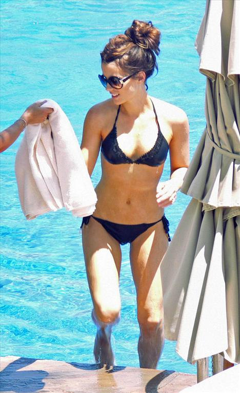 Kate Beckinsale - 43