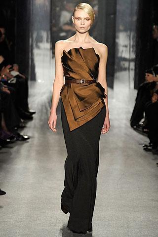 Sadeliğin sembolü: Kahverengi elbiseler - 9
