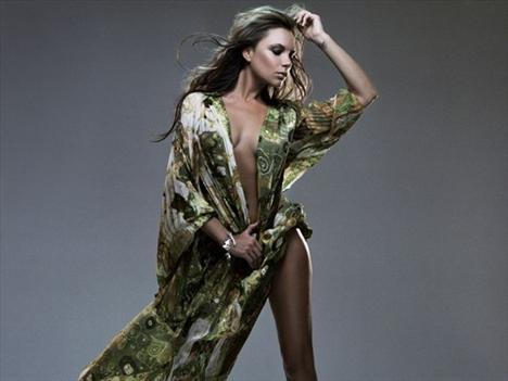 Victoria Beckham - 41