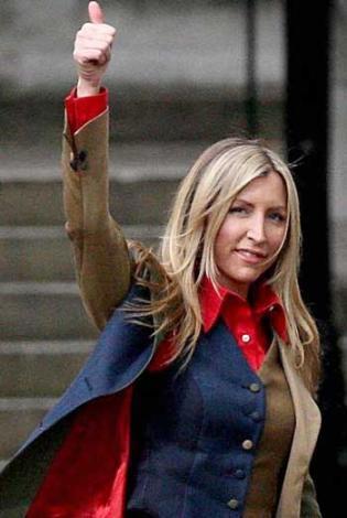 2008.. Heather Mills, eşi Paul McCartney'den boşandı. Epey gürültülü bir sürecin ardından.