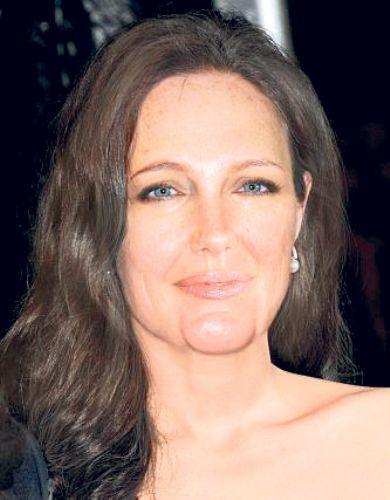 Angelina Jolie...  Diğer fotoları için tıklayın...