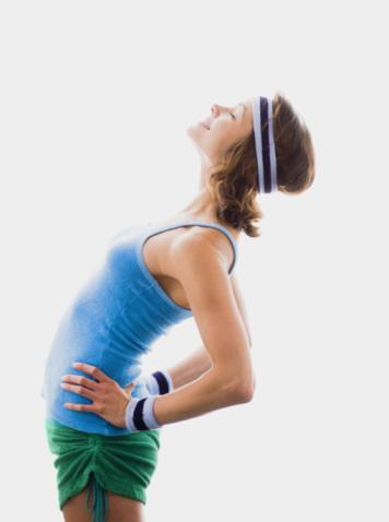 Egzersiz yapın!  İnsan vücudu, makine gibidir. Vücuda bir taraftan besin alınır, diğer taraftan bu besinlerden zararlı atıklar oluşur. Ne kadar kötü beslenirsek ve ne kadar az hareket edersek, o kadar çok zararlı atık, vücudumuzda birikir. Bu zararlı atıkları vücudumuzdan temizleyen besinler vardır. Bazı yiyecek ve içeceklerin antioksidan kapasiteleri yüksektir. Bu yiyeceklerden daha fazla tüketerek ve düzenli egzersiz yaparak, bağışıklık sisteminizi güçlendirebilirsiniz.