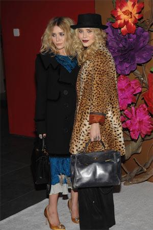 """Leopar Trendy olduğu kadar klasik bir desen. Punto Leather & Fur Danışmanı İdil Atakol, """"Leopar deseni artık modanın ana temalarından biri ve kadınların klasikleri arasında yer alıyor."""" diyor."""