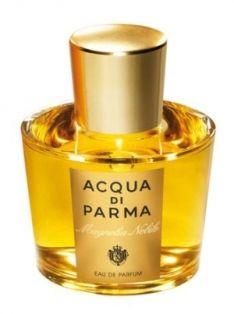 Aqua di Parma Magnolia Nobile, yasemin ve paçulinin taze notaları arasında yükselen manolya çiçeği.