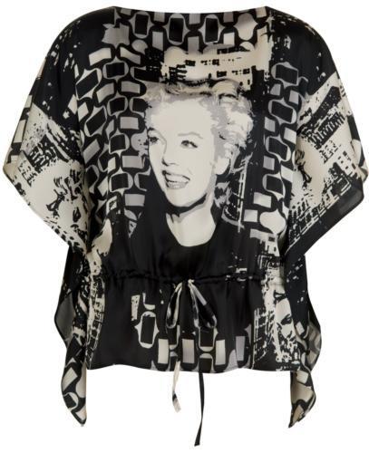 Marilyn Monroe baskılı, yarasa kollu bluz. Çok trendy ve çok şık...    Satın almak için tıklayın!