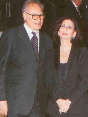 Vakko'nun ortağı Roberto Elhadef ile eşi Feri Elhadef, yeni merkezin açılışında haklı bir gurur içindeydiler.