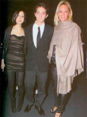 Cem Hakko'nun eski eşi Betina Hakko davete çocukları Can ve Pia Hakko ile birlikte geldi.