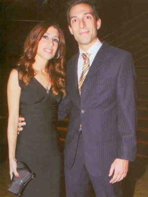 Vakko'nun ortağı Cefi Hakko'nun oğlu Allan Hakko ve nişanlısı Azer Polat.