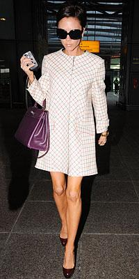Beckham'ın elbisesi Balenciaga.
