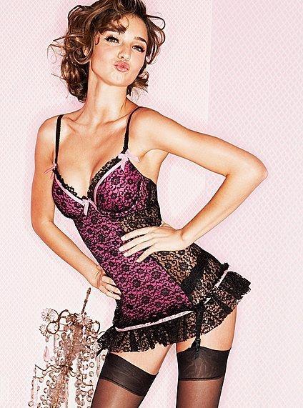 Victoria's Secret Seksi ve romantik Sevgililer Günü özel koleksiyonu