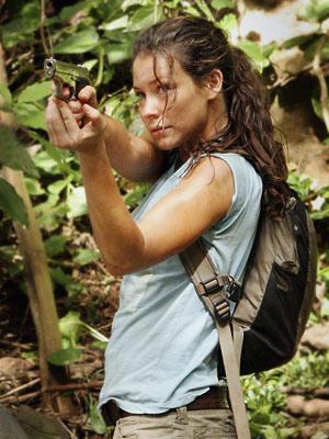 Ağaçlara kolayca tırmanmasından dolayı Lost'daki oyuncu arkadaşları tarafından Monkey (maymun) diye çağrılıyor.