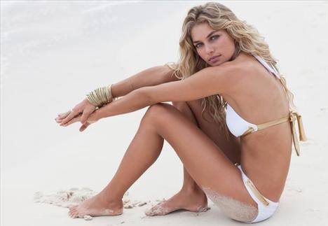 Jessica Hart - 18