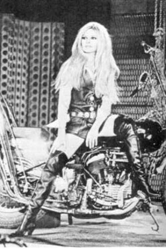 Bridget Bardot - 45