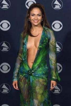 Jennifer Lopez'in bir MTV ödül gecesinde giydiği bu elbise daha sonra çok taklit edildi.