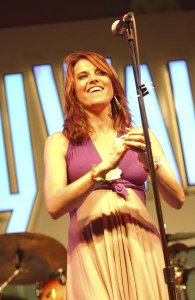 Lucy Lawless - 8
