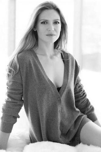 Anna Torv - 19