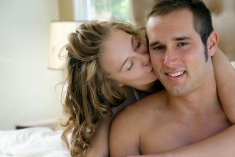 Terazi  Terazi erkeği, fiziksel olarak çok duyarlı ve dayanıklıdır. O yüzden boynundan başlayarak  bütün vücudunu öpmenizden büyük zevk alacaktır. Kısaca önsevişmeden hoşlanan bir erkekle karşı karşıya olduğunuzu söyleyebiliriz.