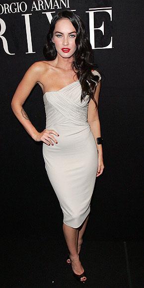 Elbise Armani Prive, ayakkabılar Brian Atwood.