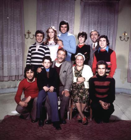 Münir Özkul ve ailesi - 4