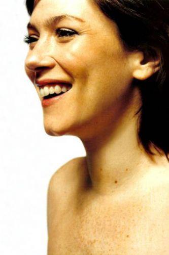 Anna Friel - 30