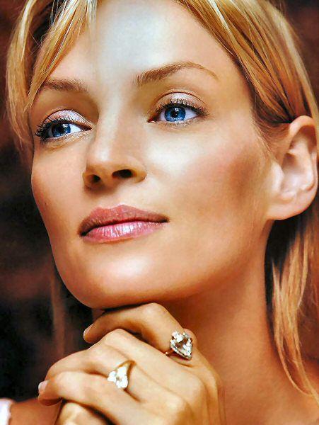 10.Uma Thurman Kendisi en güzel aktrislerden olsa da kemik yapısı başka bir gezegenden gelmiş izlenimi kazandırıyor.