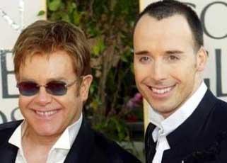 Ünlü şarkıcı Elton John.
