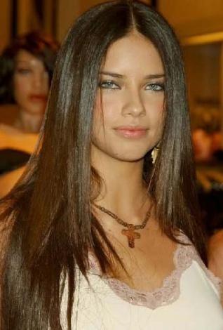 Lima, 2008 yılında yaptığı açıklamada bakire olduğunu ve evleninceye kadar da öyle kalmak istediğini söyledi.
