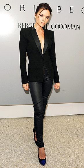 Victoria Beckham Hazır giyim koleksiyonuyla hali hazırda moda dünyasında fırtınalar estiren Victoria Beckham, bir de jean koleksiyonu hazırladı. Eğer uzun ve ince görünen bacaklara sahip olmak istiyorsanız, bu koleksiyon tam size göre.