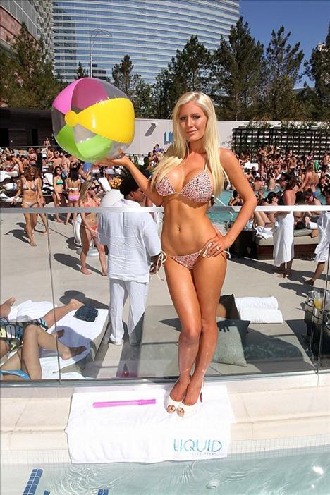 Heidi Montag plajda - 20