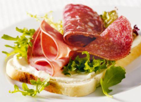 Oğlak:  Et, tuzlu fıstık gibi besinleri yiyecek listenizde bulundurmalısınız.